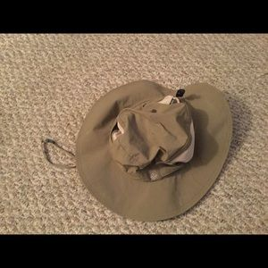 Columbia khaki hiking/fishing hat